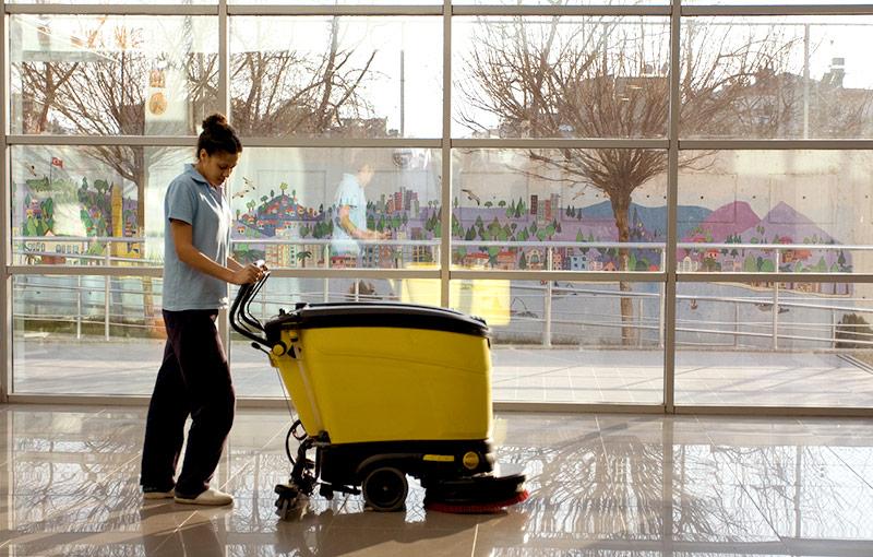 limpieza de oficinas y superficies mantenimiento de suelosy pabellones con limpiezas dynamic