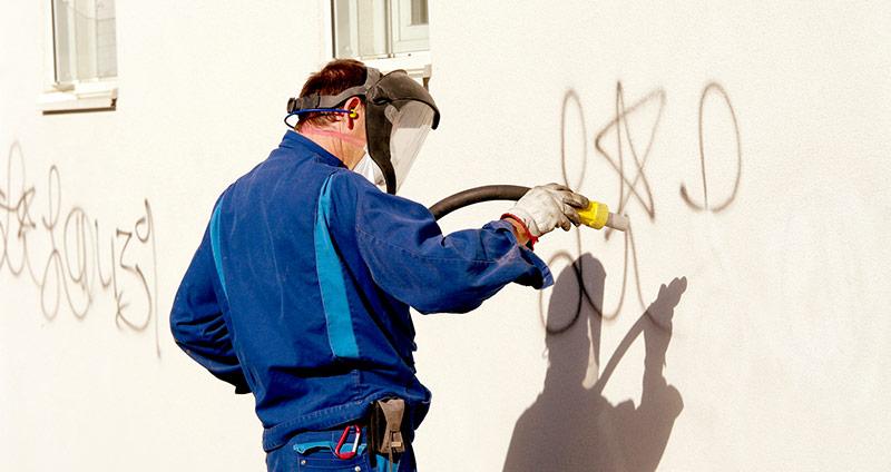 limpieza de graffitis y pintadas en fachadas con limpiezas dynamic mantenimiento y limpieza de suelos, oficinas y pabellones