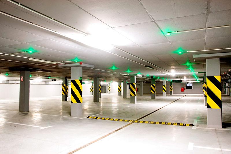 limpieza y mantenimiento de garajes y superficies industriales como pabellones con limpiezas dynamic